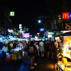 DÍA 1 EN TAILANDIA: Aeropuerto de Suvarnabhumi – Bangkok – Khaosan Road